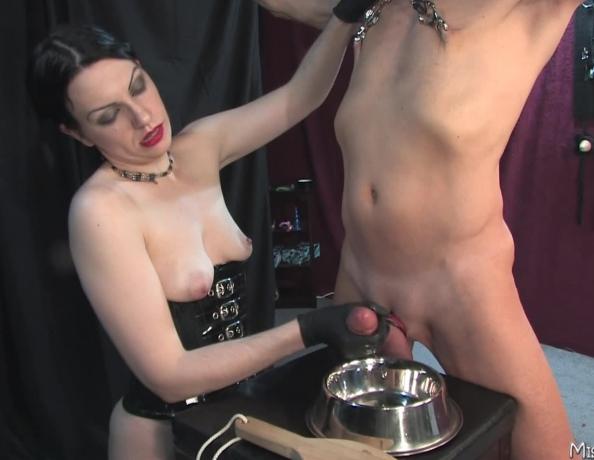 Mistress forces orgasm